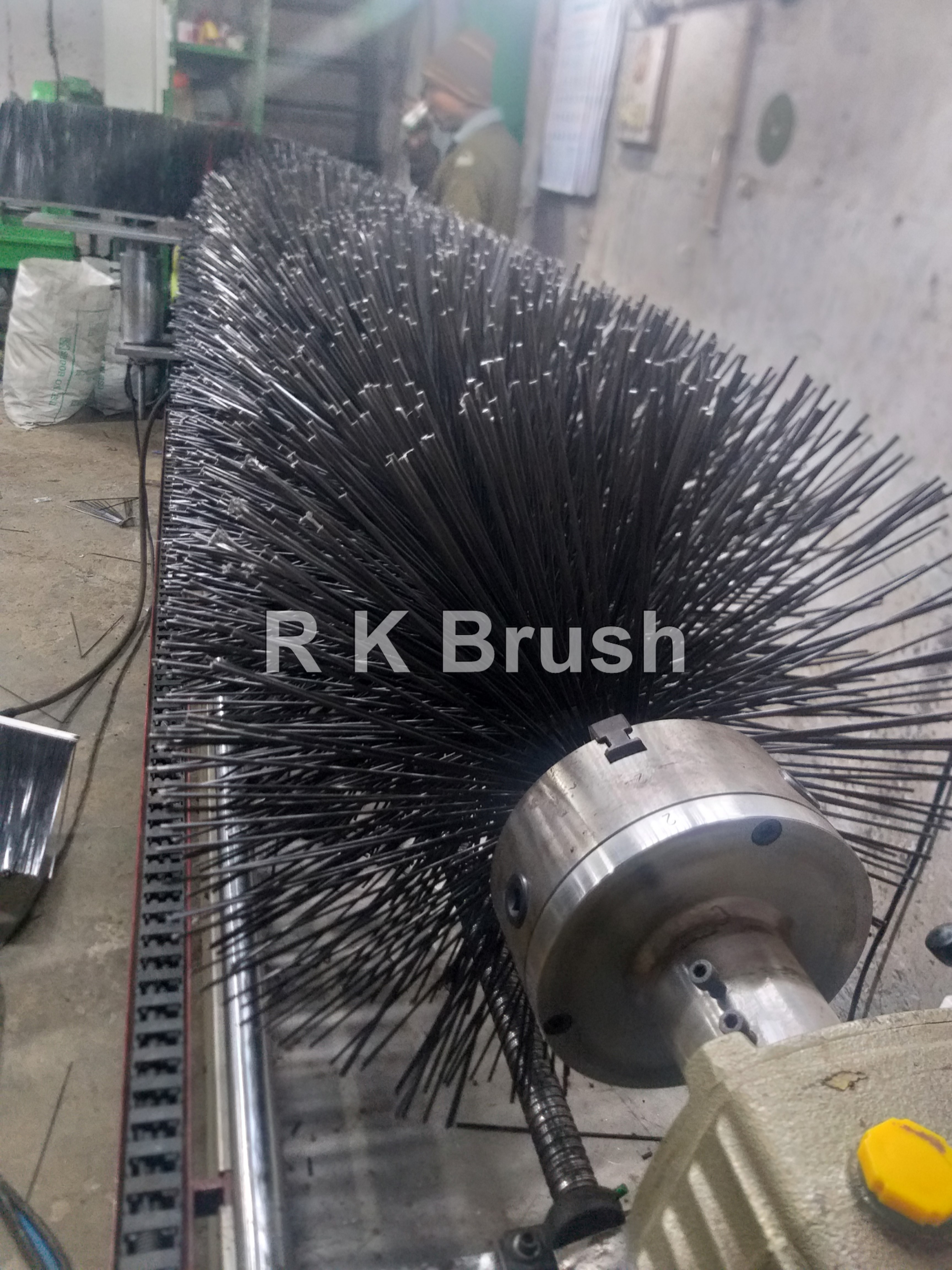 RUNWAY CLEANING ROLLER BRUSH