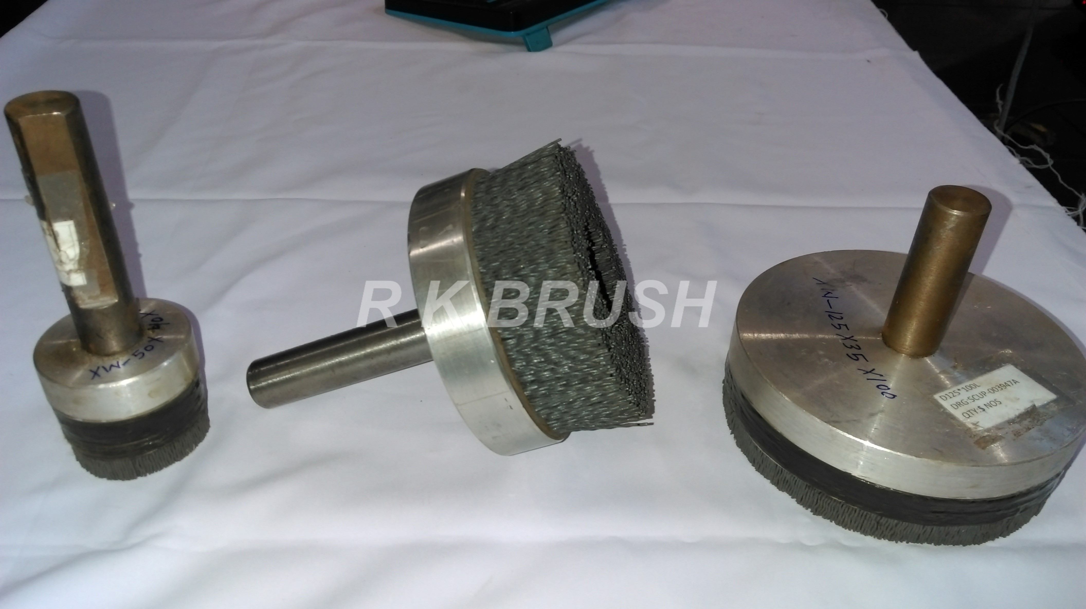spindle mounted disc brush